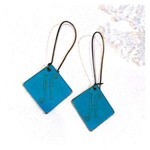 Initial earrings H
